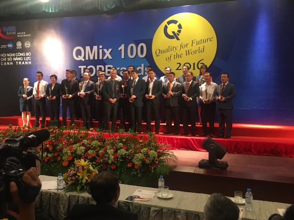 """Xuyên Hà Việt nhận danh hiệu """"DOANH NGHIỆP CHẤT LƯỢNG XUẤT SẮC QMIX  100:2016"""""""